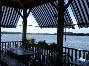 Déjeuner au bord du lac